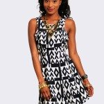 BLACK & WHITE SLEEVELESS MODERN PRINT DRESS