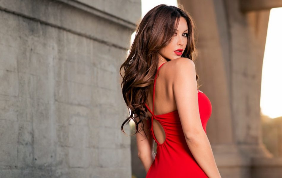 red_dress-wallpaper-2048x1152